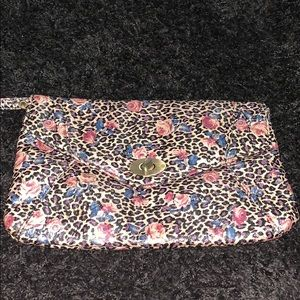 Super cute cheetah print & floral wristlet